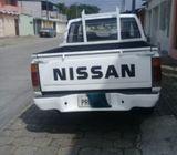 VENDO CAMIONETA NISSAN 2000