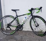 Bicicleta Giant Ruta Shimano