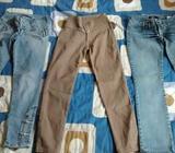 Tres Pantalones talla 28 levantacola todo por 12