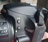 Camara nikkon d3200 ( con todos sus accesorios )