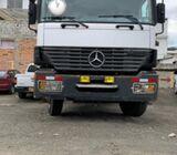 Camion Mercedes 3343