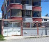 Arriendo departamento de tercer piso en Riobamba- media luna